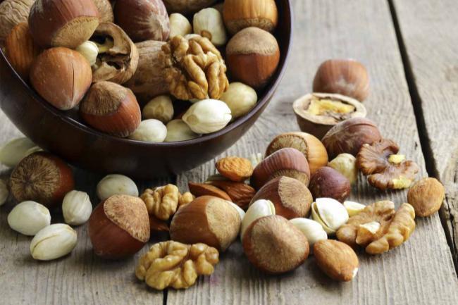 Almonds Lower Cholesterol